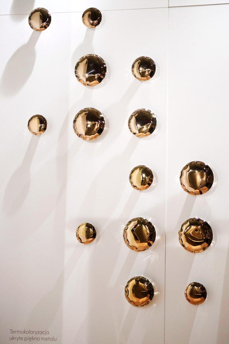 pin heat flamed gold hanger