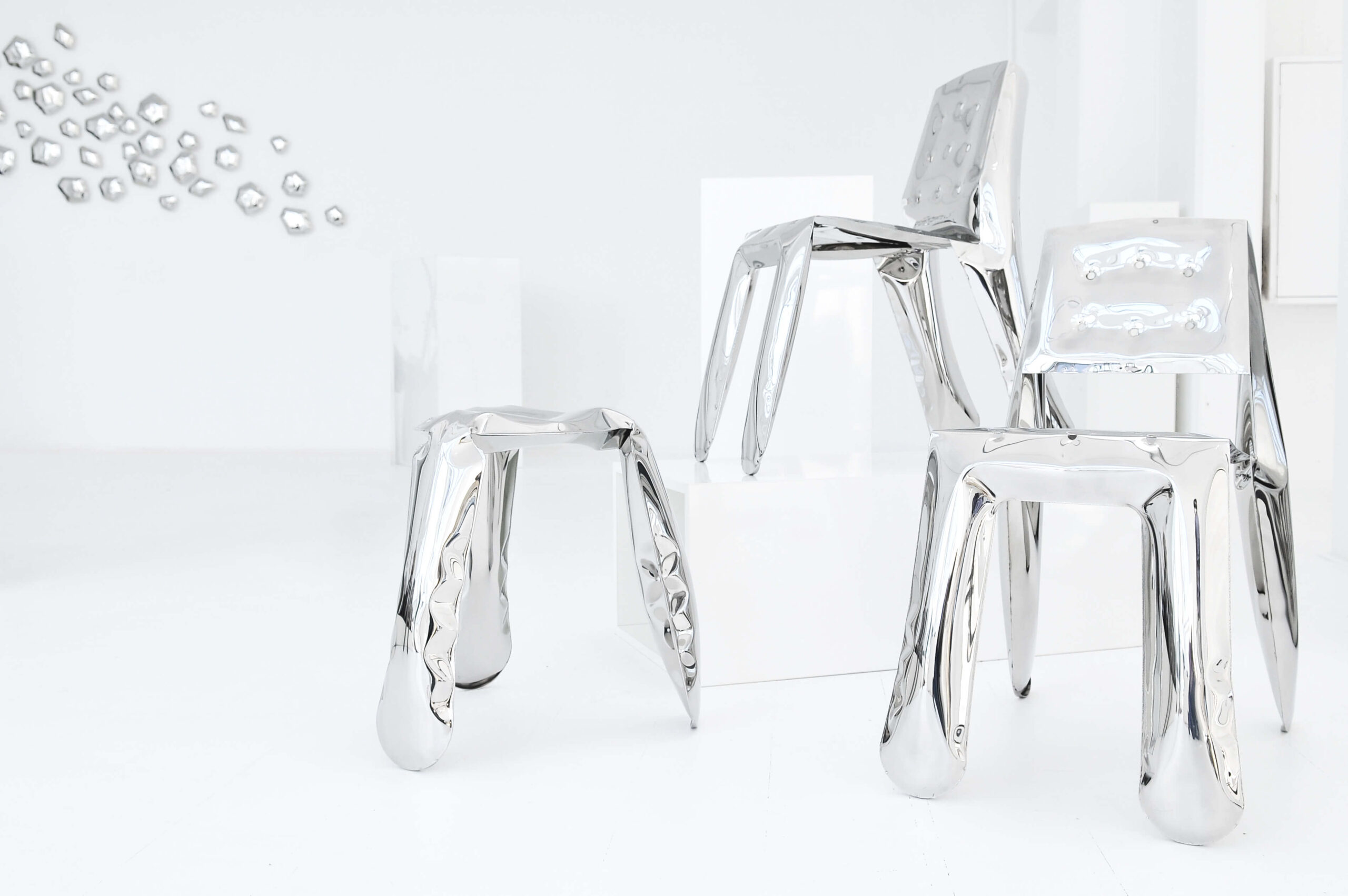 inox furniture by zieta studio plopp chippensteel kamyki