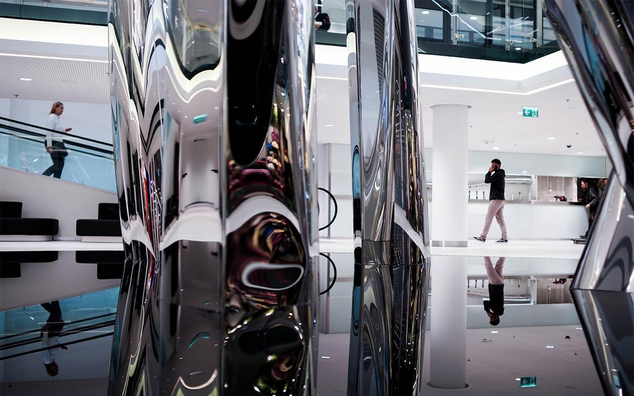 WIR public sculpture by Oskar Zieta, public art, FiDU, inflated metal, öffentliche Skulptur, aufgeblasen metall, öffentliche Kunst